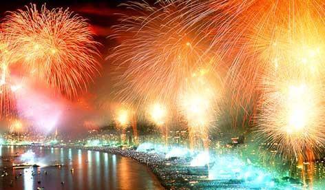 Capodanno a Napoli: Dai concerti in piazza alla crociera in barca a vela