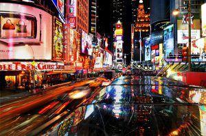 times square new york di notte