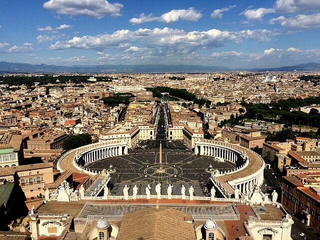 Le tradizioni dell'ultimo dell'anno a Roma: Dalla tavola ai giochi di carte