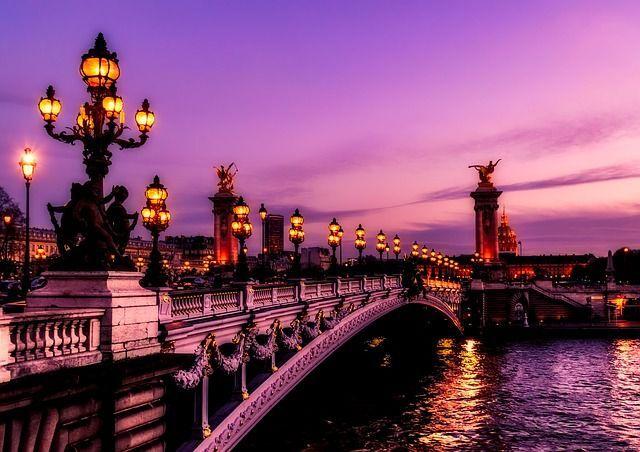ponte sulla senna al tramonto