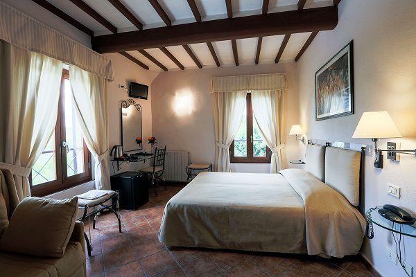 camera dell'hotel borgo antico di lucignano d'arbia