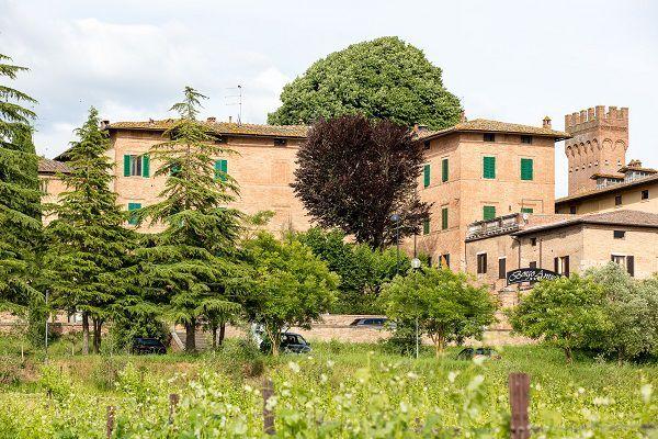 hotel borgo antico esterno