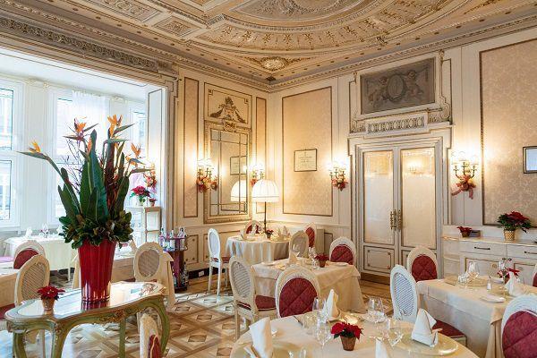salone del bristol palace di genova