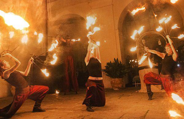 spettacolo di fuoco per il capodanno al castello bevilacqua di verona