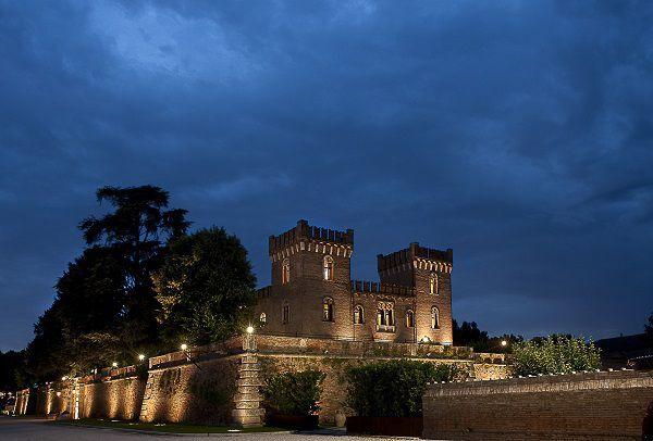 castello bevilacqua di verona di notte