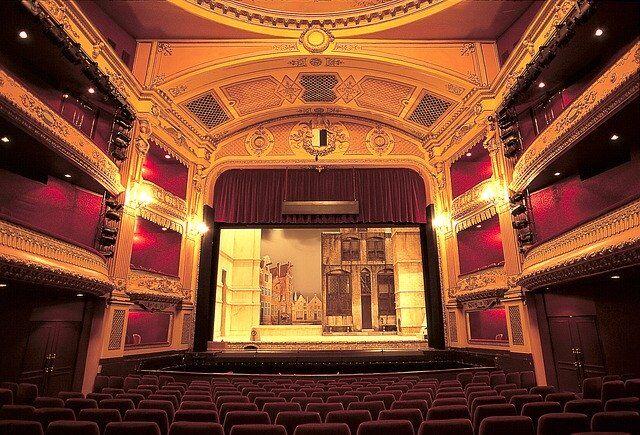 Tutti gli eventi di Capodanno a teatro in Italia