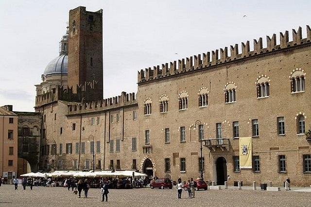 Capodanno in Lombardia: I migliori eventi, da Milano ai Laghi
